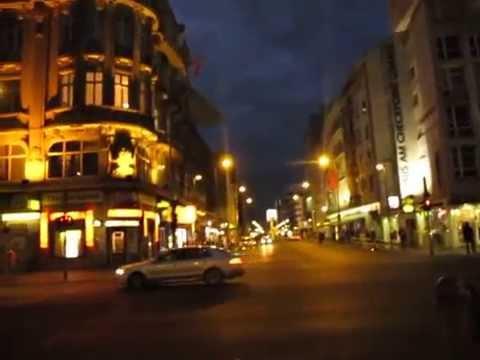 Südliche Friedrichstrasse in Berlin - Kochstrasse & Ceckpoint Charlie