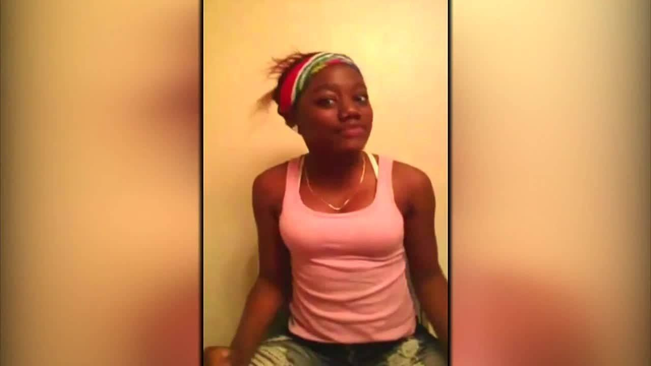 Download Teen's suicide plays out on Facebook Live