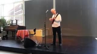 Carsten Knudsen på ukulele