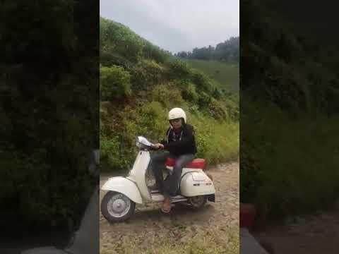 Jalan Jalan Vespa Antique Club Indonesia Garut