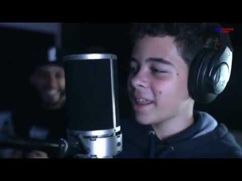 Piensas En Mi - Nacho y Sus Hijos (Video) Nuevo