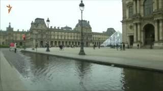 Лувр закрыли из-за наводнения в Париже(В пятницу, 3 июня, власти Парижа закрыли Лувр для посещений. Произведения искусства начали эвакуировать:..., 2016-06-03T10:13:51.000Z)
