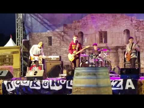 Static plays Conejo Valley Days May 11 2016