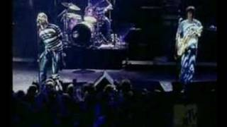 Oasis - Who Feels Love - Live @ Brussels 2000