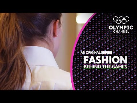 "Playing Hockey with a 100-Year-Old Uniform ft. ""Las Leonas"" 