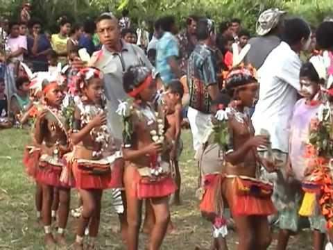 Trobriand Islands Dance, Papua New Guinea (1)
