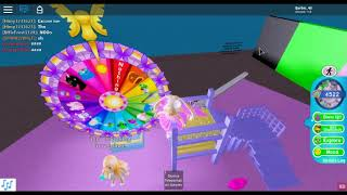 Spinning the Wheel Day 1 Royale 🏰 High (Roblox)