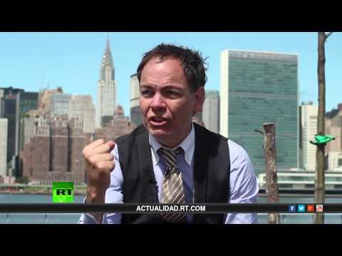 Keiser Report en español. La maldición de la economía estadounidense (E496)