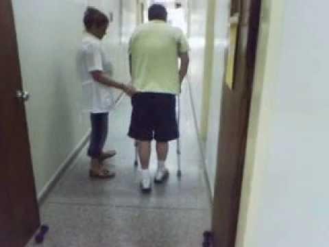 Resultado de imagen para imagenes caminando con muletas