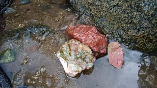 Tìm kim cương dưới suối , ngọn đồi đá