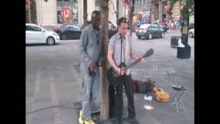 Baixar Seal and busker duet Stand By Me (Montreal.2016)