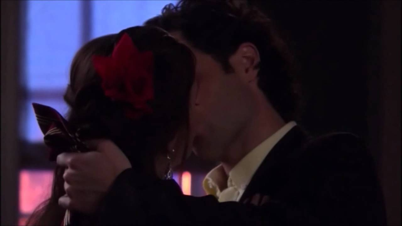dan amp blair kiss scene gossip girl 5x15 crazy cupid
