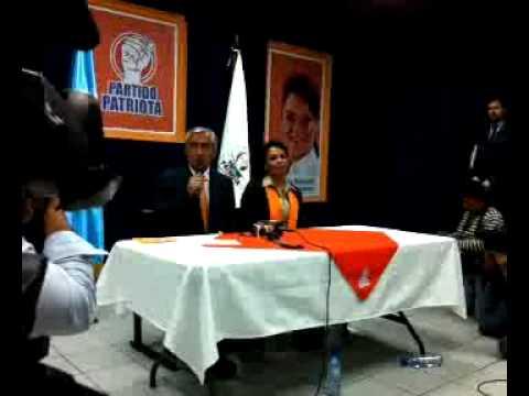 Qik - Conferencia de Prensa de Otto Pérez Molina y...