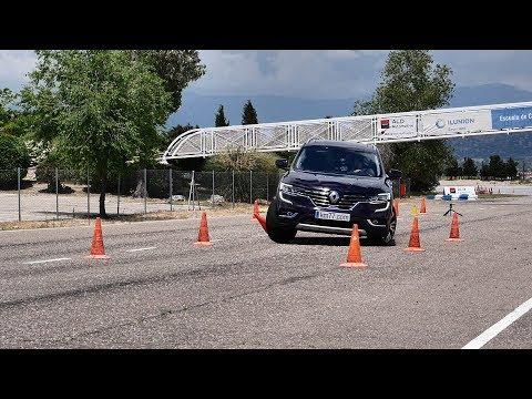 Renault Koleos 2017 - Maniobra de esquiva (moose test) y eslalon | km77.com