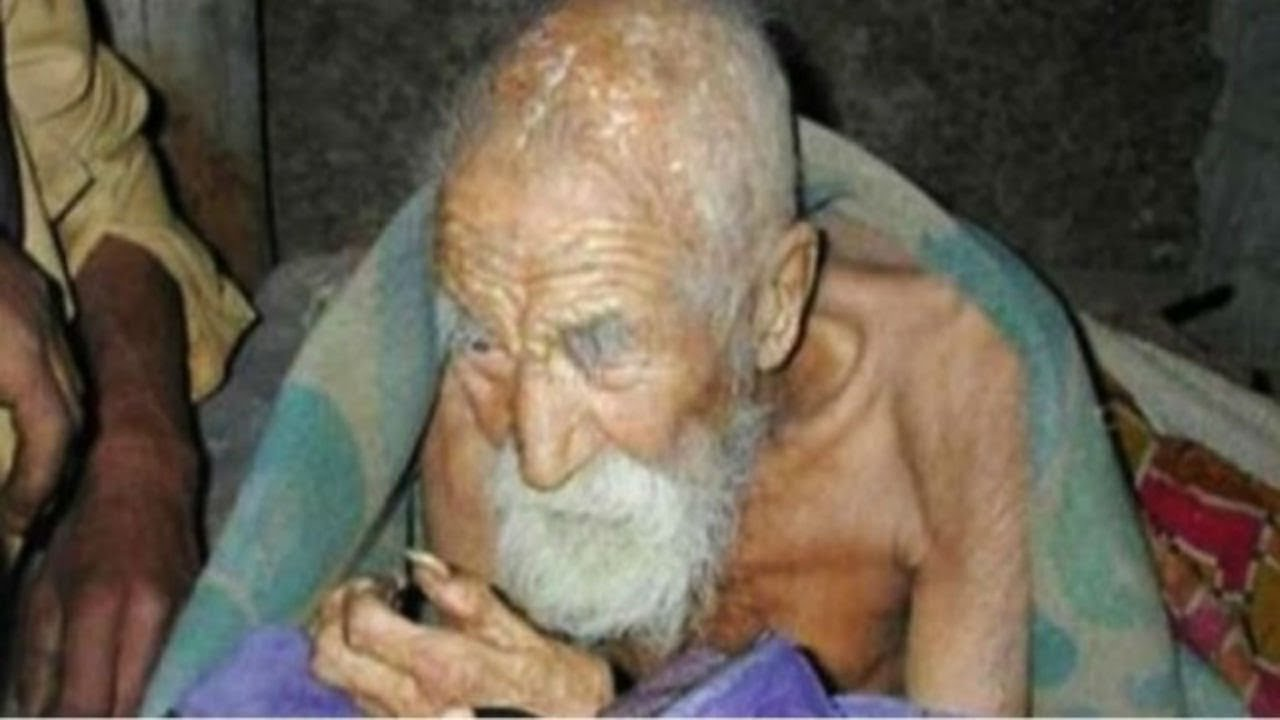 This is the age of 183 years of Kishore's father Bhishma, he has also forgotten the death of his home.