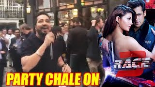 Mika Singh Sing Party Chale On Song At London Street | Race 3