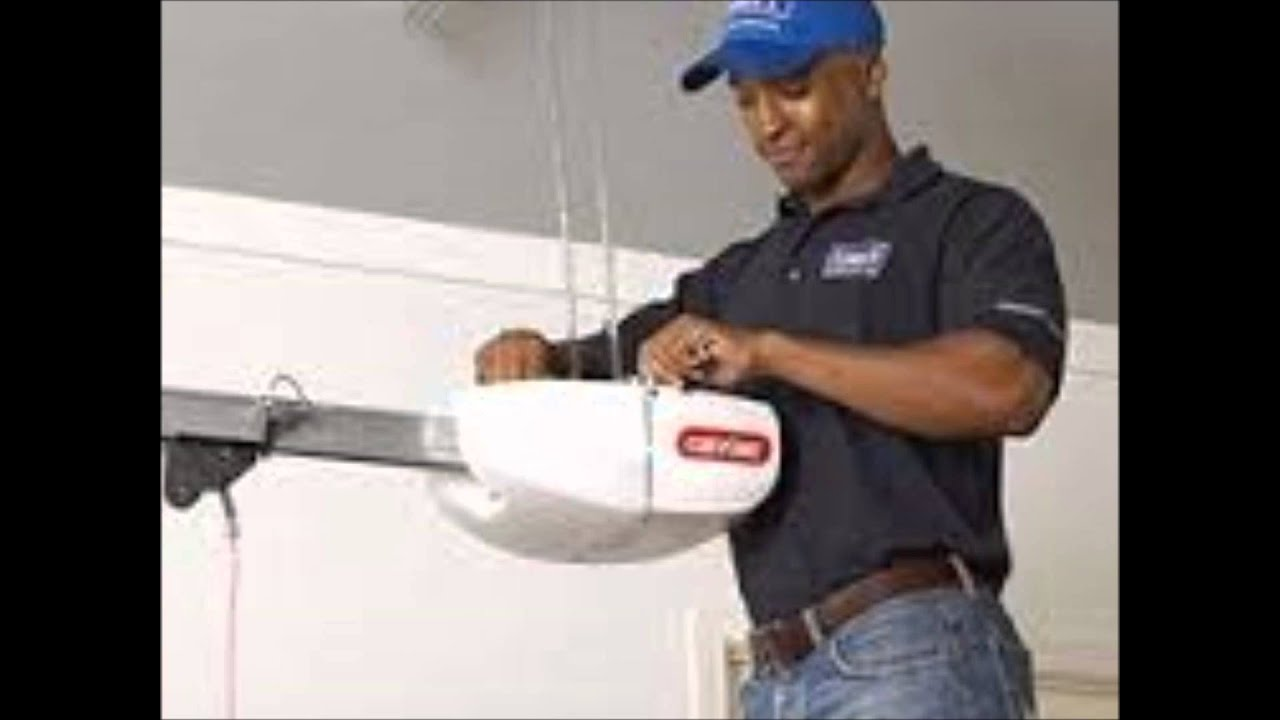Door repairman garage door repair technician sc 1 th 294 for Garage door repair canby oregon