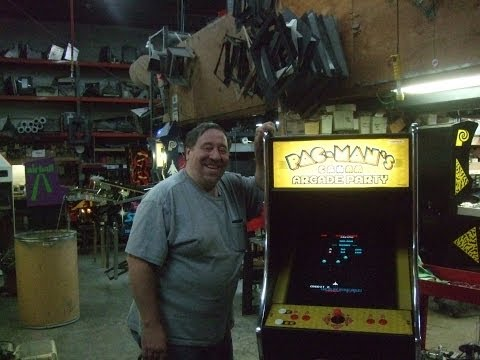 #425 Namco PACMAN ARCADE PARTY - Rare Full Size Version With Coin Door - TNT Amusements