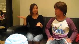 NHKワンポイント手話キャスターの佐々木あやみさんと。