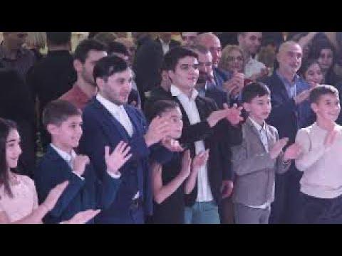 Осетинская свадьба часть 2 Алан Кокаев и Яна Хохоева дети танцуют Симд