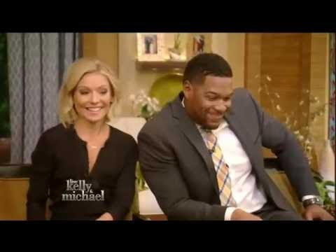 Chelsea Handler Flirts with Michael Strahan