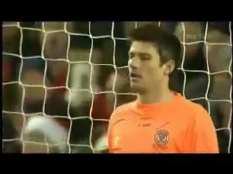 Un gardien de but qui arrête 4 penaltys !!!