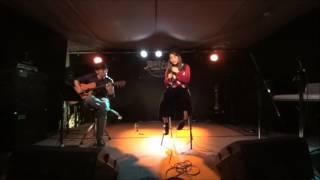 沖縄のライブハウスにて.