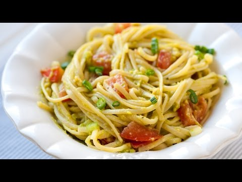 how-to-make-avocado-pasta-in-15-minutes!---quick-and-easy-avocado-pasta-recipe