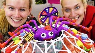 EKLIGE BOHNEN SPINNEN CHALLENGE - Miss Kipik Spiel deutsch | NINA VS KATHI im Spinnennetz gefangen