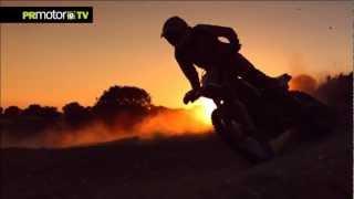 Ivan Cervantes piloto Red Bull de Enduro hace 40 metros de aquaplaning en Moto! - PRMotor TV Channel