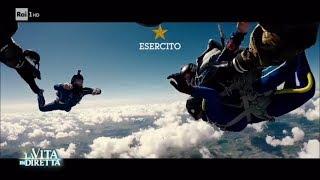 L'atleta non vedente Matteo Fanchini si lancia col paracadute - La Vita in Diretta 07/07/2017