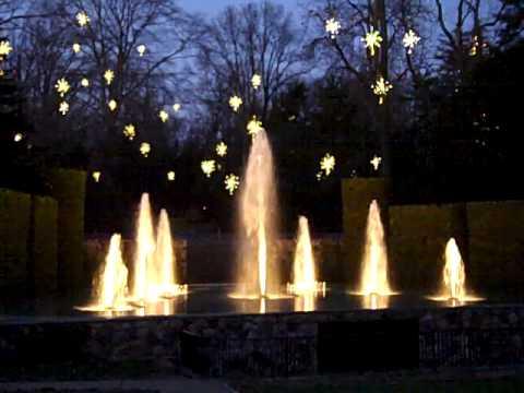 Christmas Fountain Show At Longwood Gardens Youtube