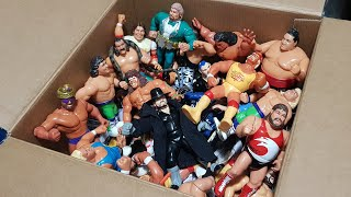 BIG BOX FULL OF 90s WWF/WWE ACTION FIGURES!