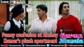 Funny confusion at Akshay Kumar's plush apartment (Garam Masala)