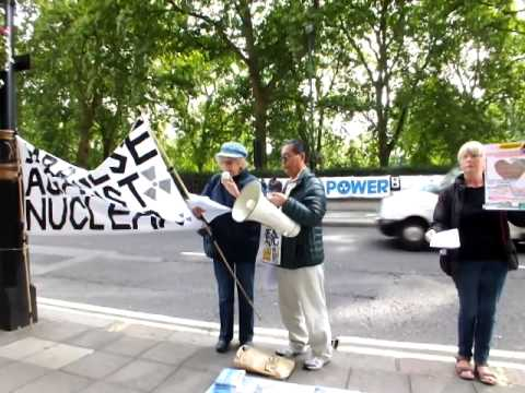 Margaret Toomey in Friday Anti-Nuclear Action in London (27 Sep 2013)