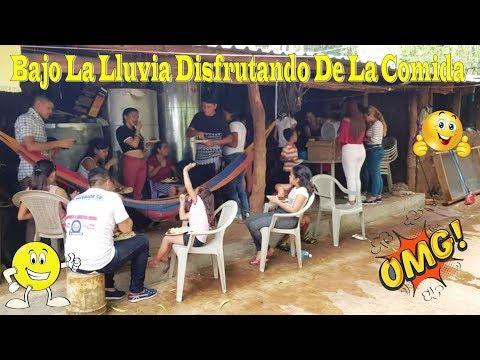 Disfrutando De La Comida Bajo La Lluvia - Convivió Con El Salvador Sv Parte 9