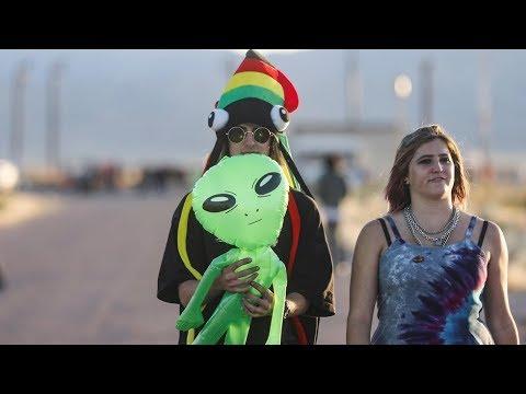 RT: AREA 51 LIVESTREAM   Alien enthusiasts gather near Area 51 [2019]