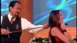 Claudia Lizaldi y la Espada de Excálibur