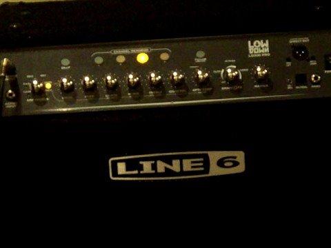 Line 6 LowDown 300 Pro Playing. nice bass amp