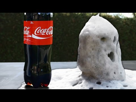 Coca Cola and Pool Chlorine Strange Chemical Reaction - Amazing Science Experiment