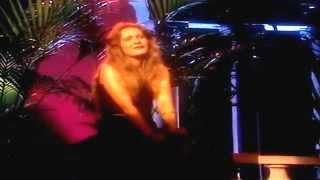 Nicole - Papillon - HD