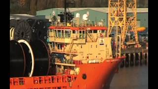 Toisa Conqueror arrives on the River Tyne 1st November 2013