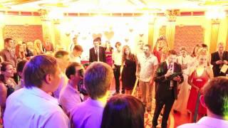 Красивая свадебная встреча жениха и невесты www.show-vip.ru