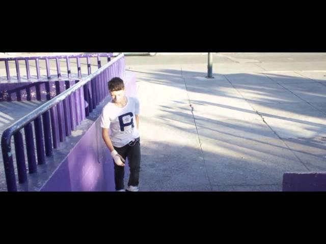 Cesar Ponce patinando para Centro Roller los nuevos Razors SL-2