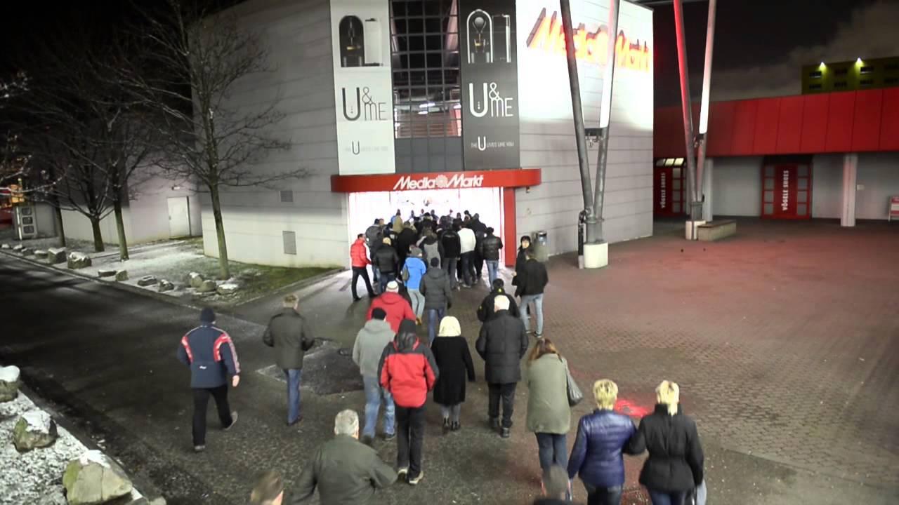 Riesiger Ansturm Beim Frühshoppen Media Markt Linz Youtube