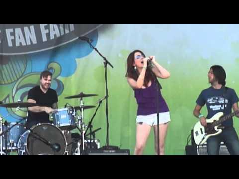 Katie Armiger, Bridgestone Stage, CMA Fest '12
