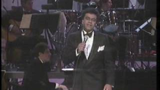 "Johnny Mathis & Henry Mancini live 1987 ""Two For The Road"" and ""Charade"""