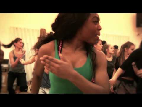 African Dancehall Class @ Flying Steps Academy - Iyanya - Kukere