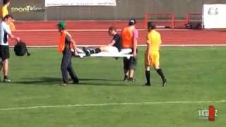 Fachowa pomoc na boisku / professional assistance on a football field (Fail)