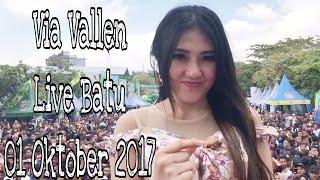 Video Via Vallen Ulang tahun di Batu - Malang download MP3, 3GP, MP4, WEBM, AVI, FLV Maret 2018